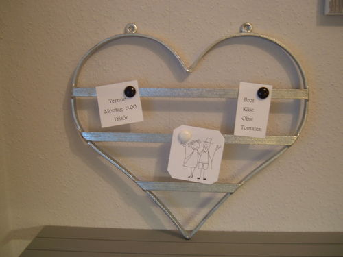 "Memoboard ""heart"" to hang up magnet sheet for notes"