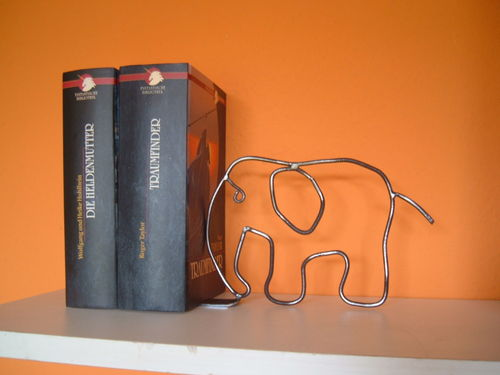 Bookend elephant bookend made of metal for your favorite books novels