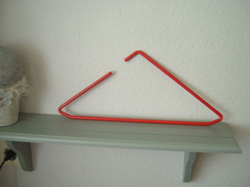 Hanger red modern design triangel