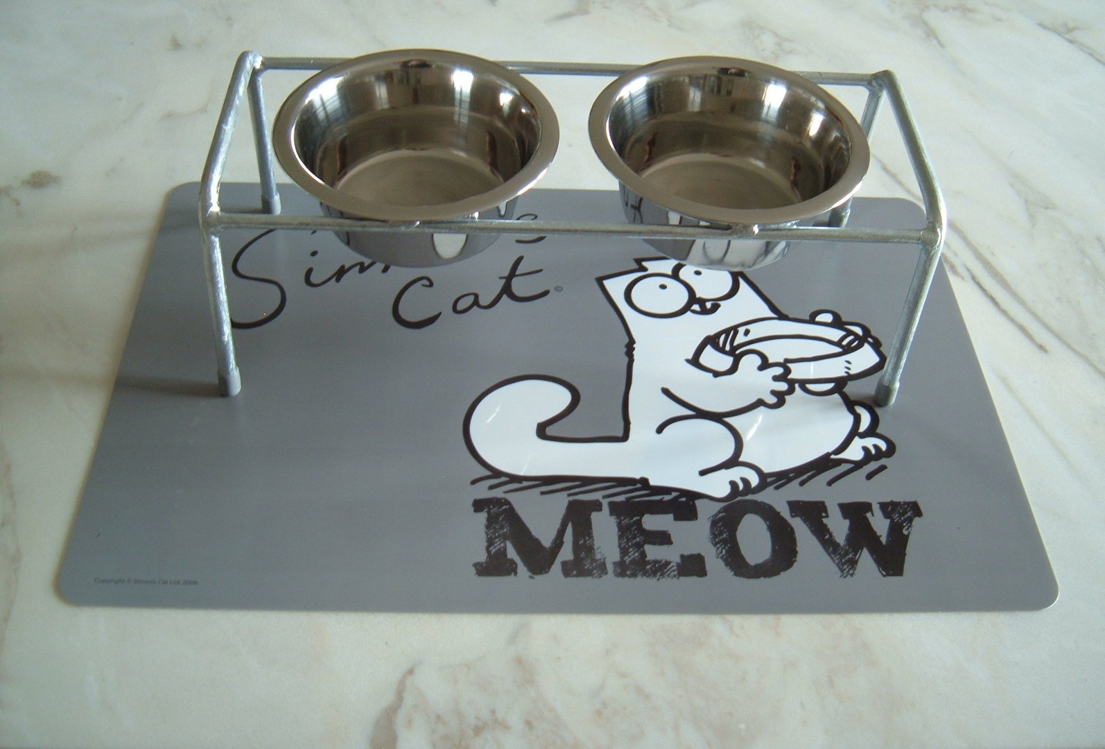 Feedable for cats incl. 2 stainless steel cups and cup support - Simon`s Cat