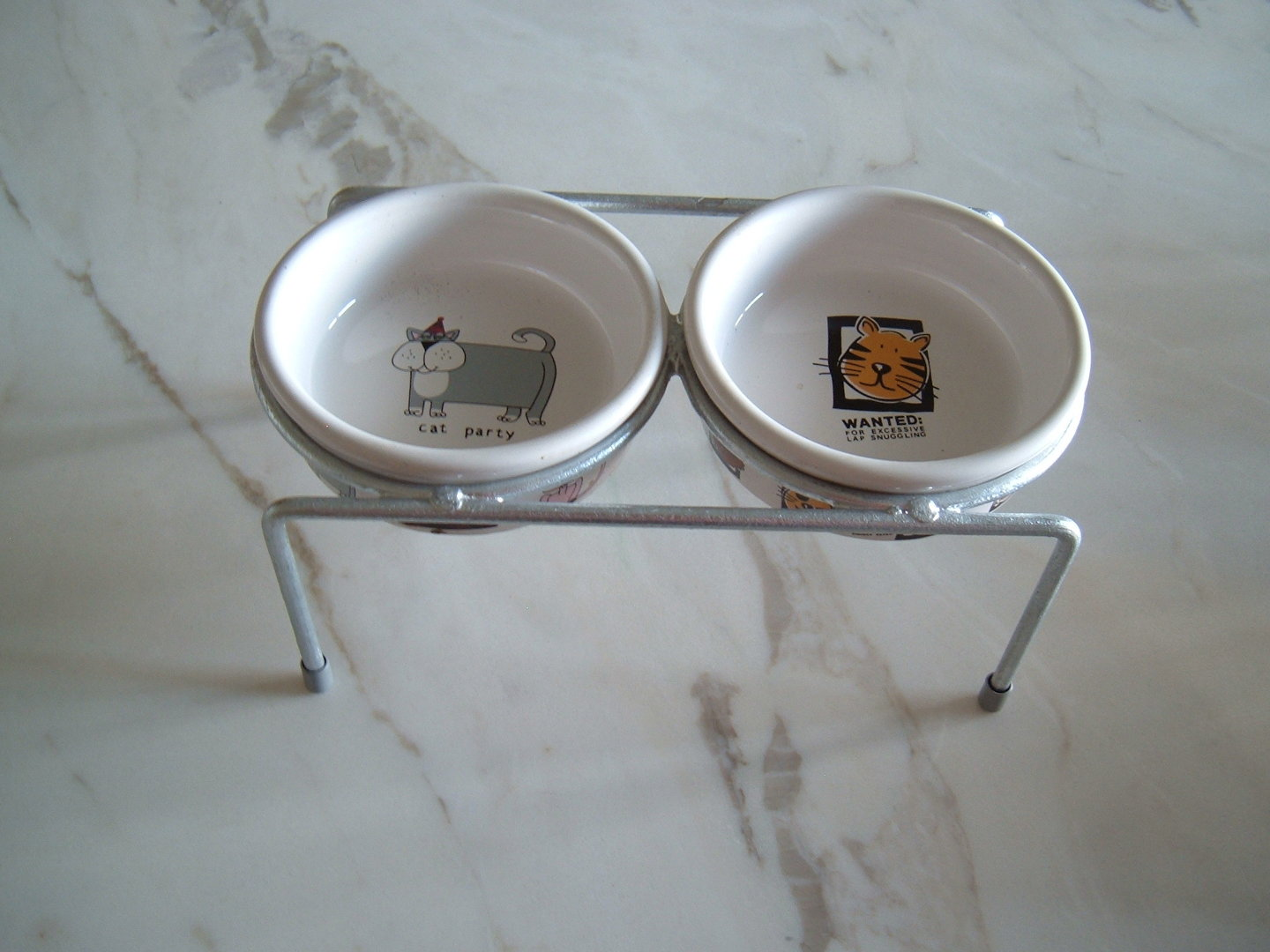 Cat Food Bar Double cup holders including 2 ceramic bowls